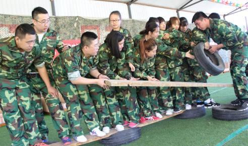 北京麦味销售团队军事化拓展训练